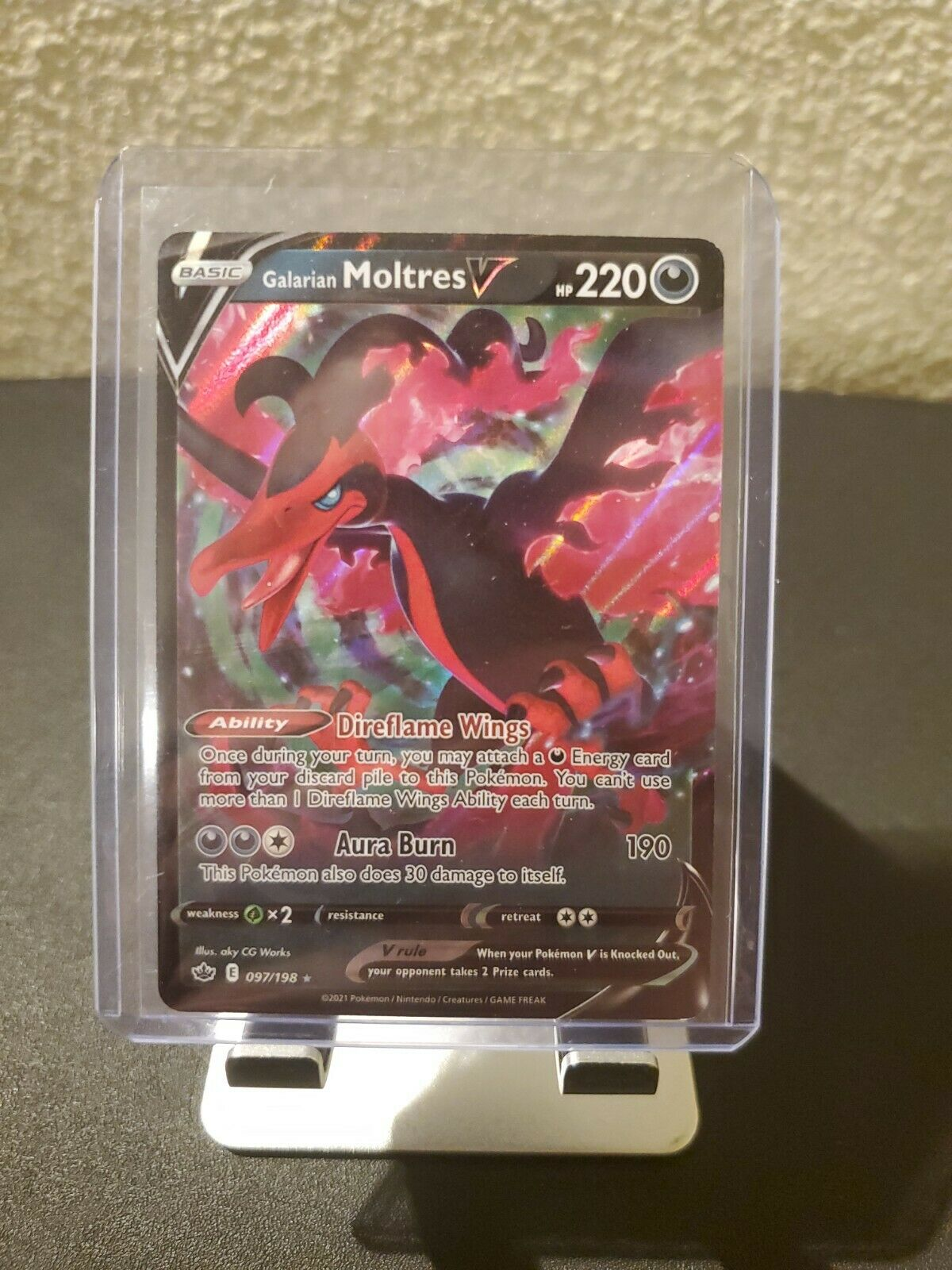 Galarian Moltres V Pokemon Chilling Reign Card 097/198 Mint Condition