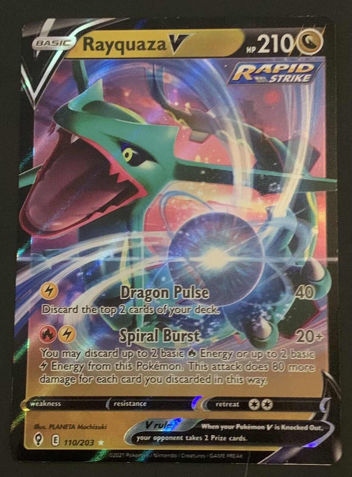 Rayquaza V Ultra Rare Pokemon Card - Evolving Skies 110/203 - MINT Condition